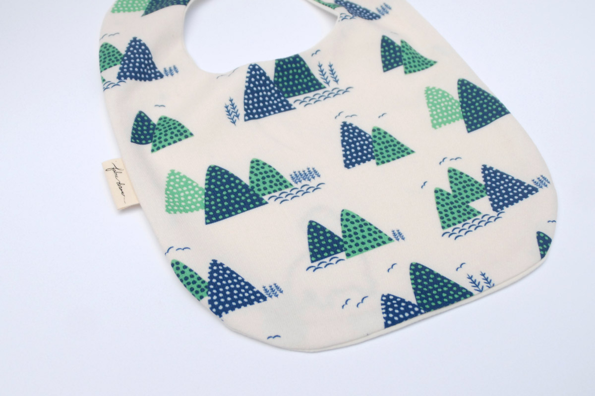 Baby Bib in Over the Mountains