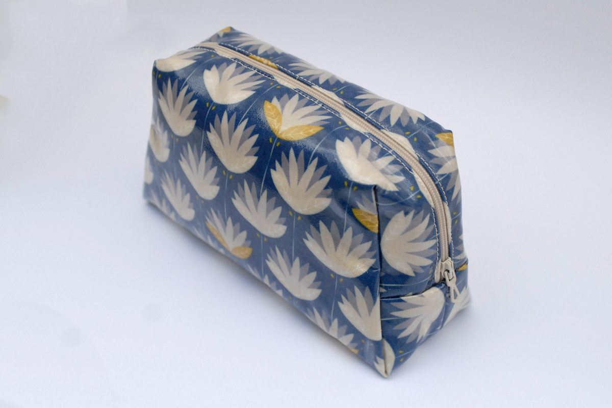 Make-up Pouch in Floral Fans